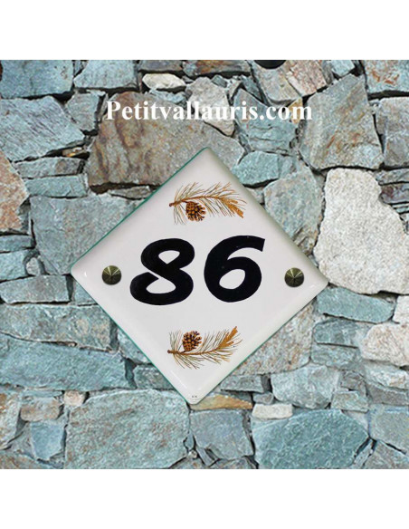 Numéro de maison décor pomme de pin pose diagonale