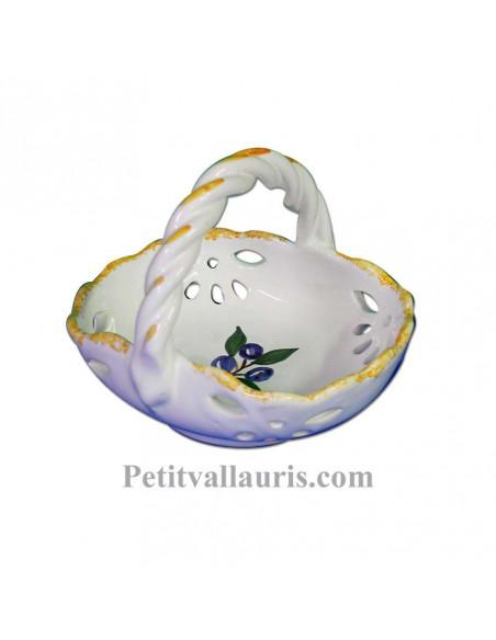 Petit panier ajourée en faience blanche au décor artisanal olives bleues