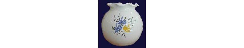 Vase motifs fleurs en faience