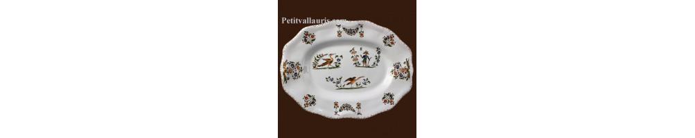 Création assiettes et plat de décoration en faience au décor moustiers et de provence par la faiencerie LE PETIT VALLAURIS