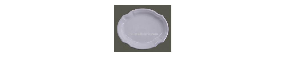 Plats et plateaux en faience et céramique blanche unie