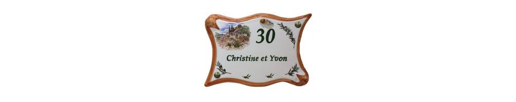 Plaques forme parchemin en faïence emaillée grand modèle décorées et avec gravure personnalisée