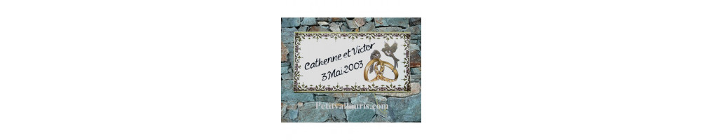 plaque anniversaire et souvenir de mariage en faience avec alliances et personnalisation réalisées dans le sud est de la france