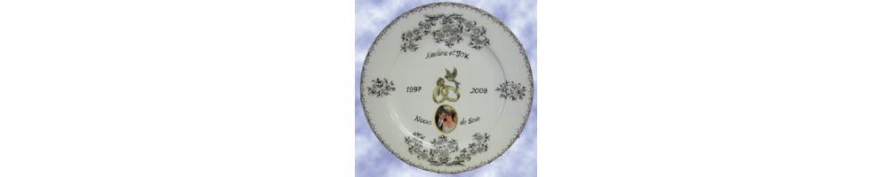 Assiettes anniversaire et souvenir de mariage en porcelaine ou en faïence avec photo et inscription personnalisée