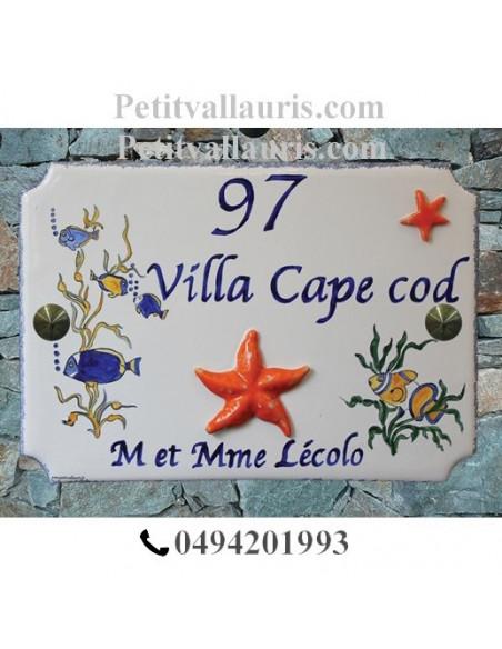 Motifs Marins taille 22 x 31 cm modèle style angles incurvés plaque céramique avec gravure et décors personnalisés